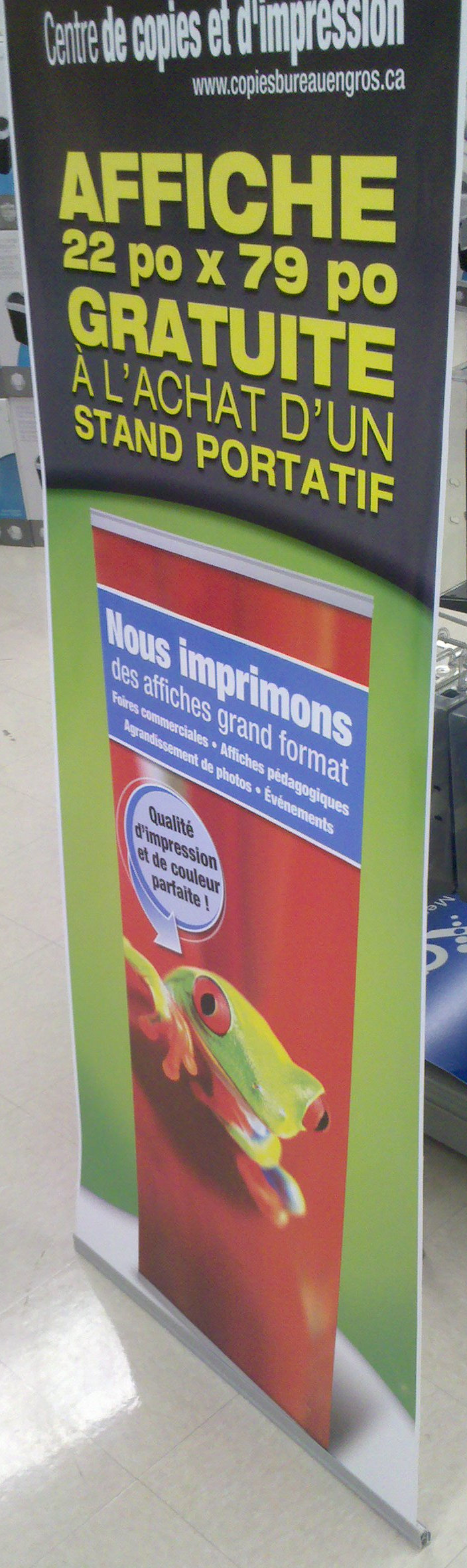 It costs only $100 for this banner stand, including printing at a local print shop in Montréal.